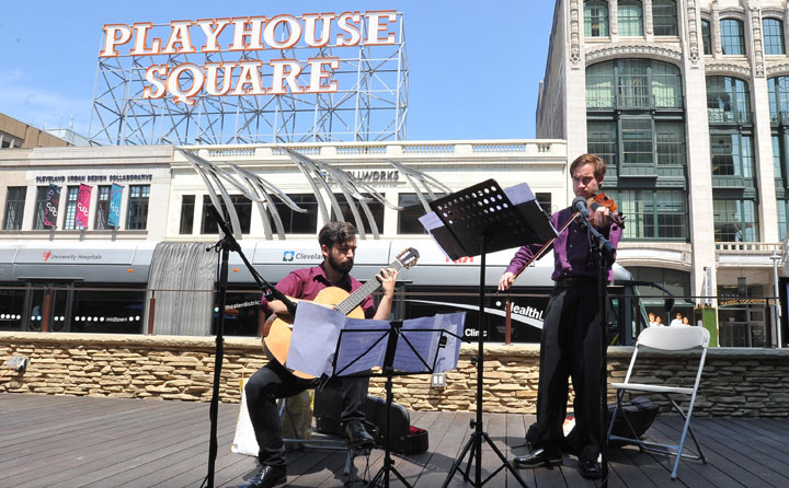 Photo showing BW students at Playhouse Square- showing downtown Cleveland internship opportunity