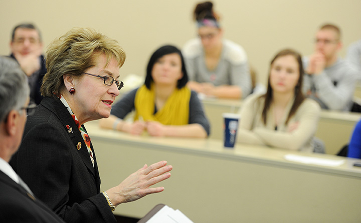 Marcy Kaptur visits with BW students
