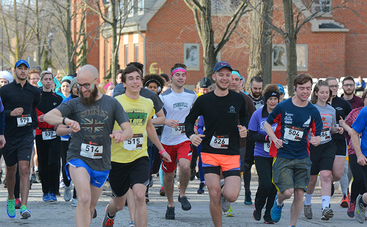 Photo of Conservatory students, faculty, staff and music enthusiasts participating in the annual Bach Run 5k and walk.