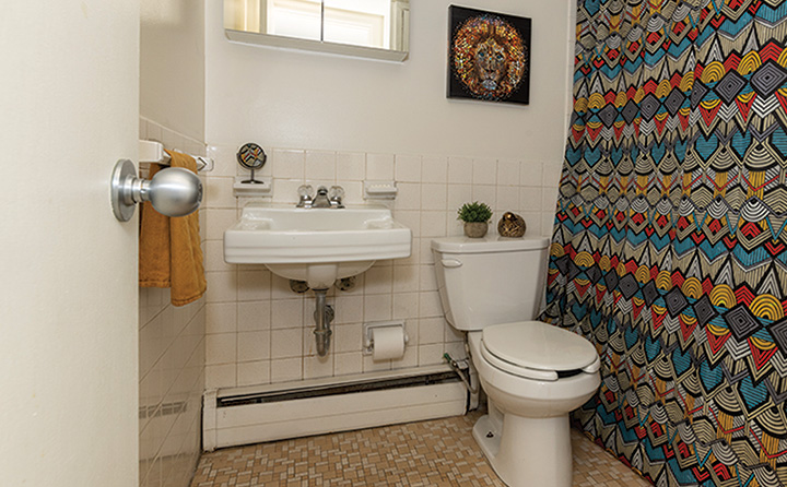 photo of apartment bathroom
