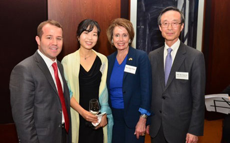 L to R) Asia Foundation Country Representative Dylan Davis, Shinyoung Park, U.S. Congresswoman Nancy Pelosi, and Chairman of the Friends of Asia Foundation Han Sung-Joo