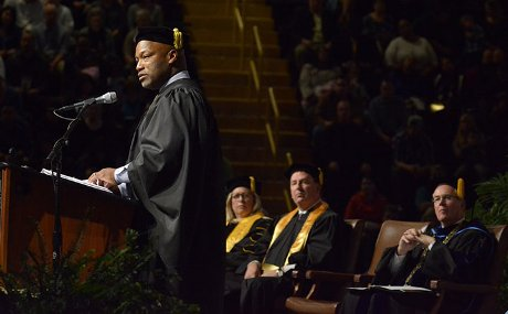 Eddie Taylor Jr delivers commencement address