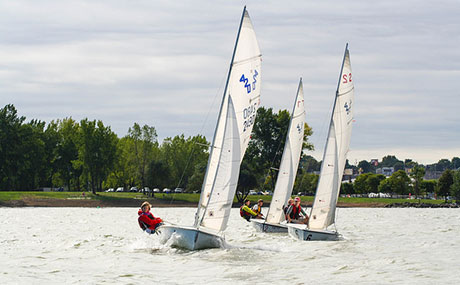 420 dinghies in action
