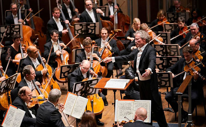 The Cleveland Orchestra and Music Director Franz Welser-Möst - Photo by Roger Mastroianni